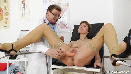 Гинеколог с пациенткой